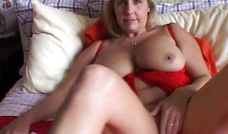 Stepmom phim sec nhat ky vang anh dạy Babe về lesbian tình dục