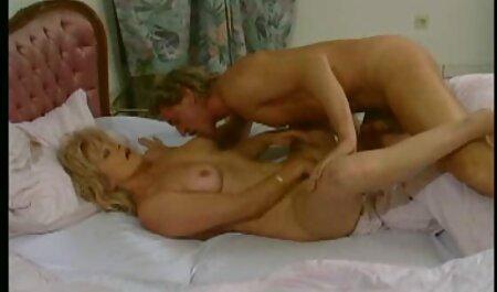 FuckedinTraffic - Con đĩ nhận được fuck cho đến khi cô pim sec hoang thuy linh ấy ướt đẫm mồ hôi